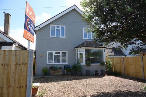 4 bedroom detached house for sale - Woodland Road, Selsey
