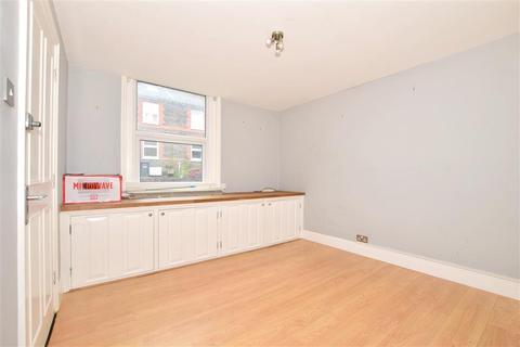 1 bedroom ground floor flat for sale - Queens Road, East Grinstead, West Sussex