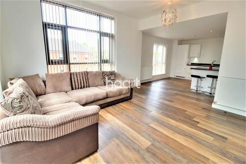 2 bedroom flat to rent - Weavers Point