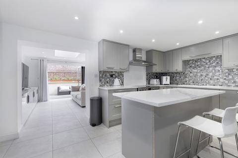 1 bedroom apartment to rent - Clarence Street, Cheltenham GL50 3LB