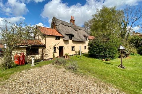 4 bedroom detached house for sale - Snow Street, Roydon