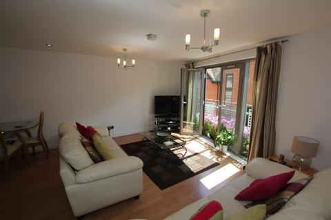 2 bedroom flat to rent - City Way, City Road