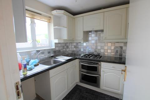 3 bedroom flat to rent - Wood Street, Walthamstow, E17