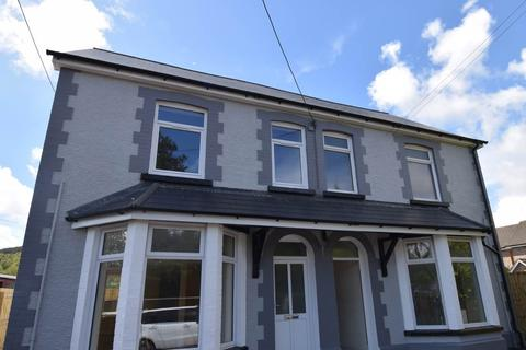 2 bedroom flat to rent - Mountain View, Van Road , Caerphilly