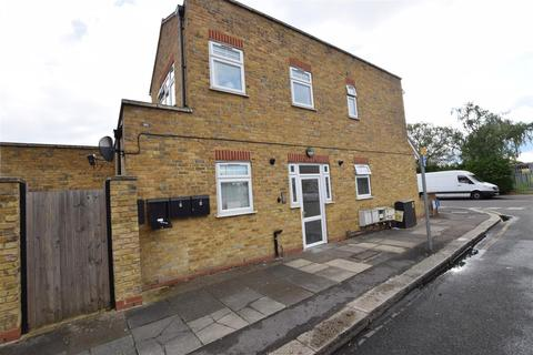 1 bedroom semi-detached house for sale - Grove Road, Chadwell Heath, Romford