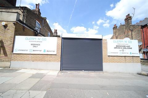 Storage to rent - Aldermans Hill, London