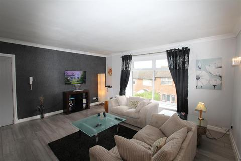 2 bedroom apartment for sale - Grove Avenue, Lymm