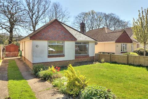 2 bedroom detached bungalow to rent - Trevose Close, Chandlers Ford