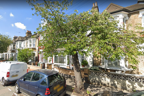 3 bedroom flat to rent - Orford Road, London,  E17 9QX