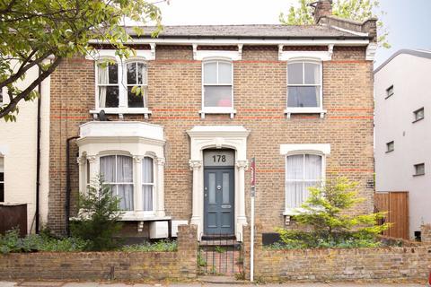 2 bedroom flat to rent - Highbury Hill, London, N5