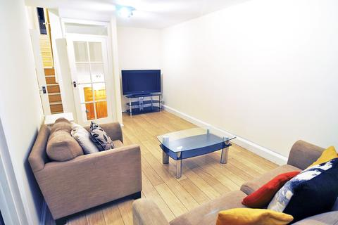 3 bedroom apartment to rent - Semley Place, Belgravia, London SW1W