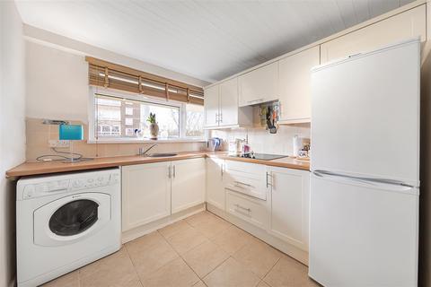 1 bedroom flat for sale - Winders Road, SW11