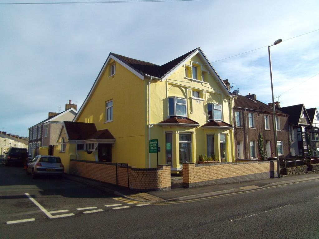 8 Bedrooms Town House for sale in Alexandra Guest House, 44 Coity Road, Bridgend, CF31 1LR