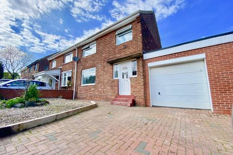 3 bedroom semi-detached house for sale - Durham Avenue, Donwell