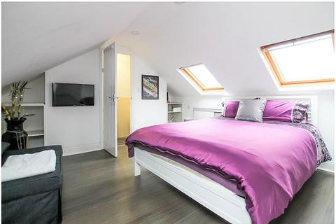 1 bedroom in a house share to rent - Woodborough Road, Nottingham