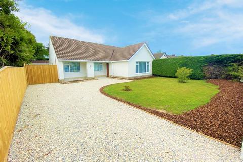 3 bedroom bungalow for sale - Morden Avenue, Ferndown,