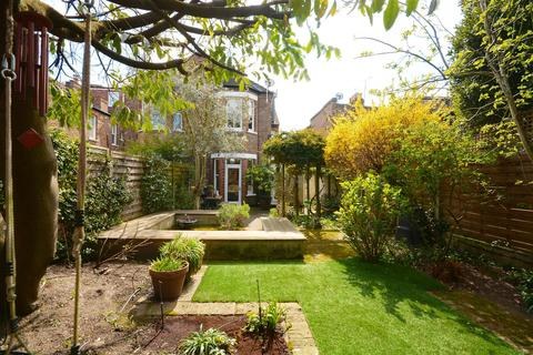 4 bedroom semi-detached house for sale - Mill Hill Road, London