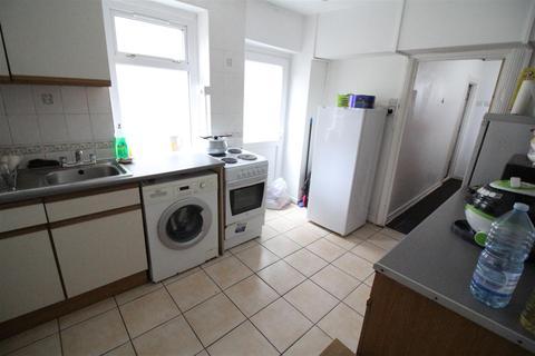 4 bedroom house to rent - Queen Street, Pontypridd