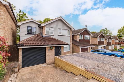 4 bedroom detached house for sale - Ambrose Road, Tadley