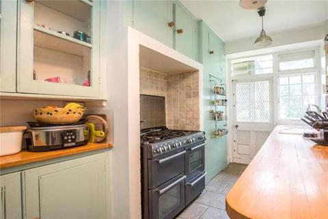 3 bedroom property to rent - Connaught Gardens, N10