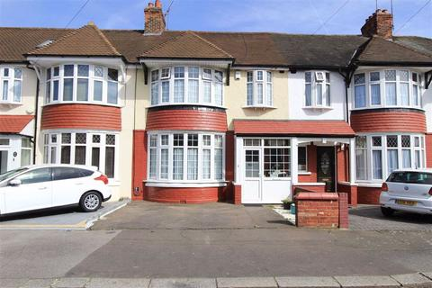 3 bedroom end of terrace house for sale - Broadhurst Avenue, Ilford, Essex, IG3