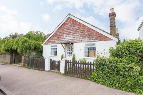2 bedroom detached bungalow for sale - The Street, Boughton-Under-Blean, Faversham