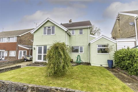 3 bedroom detached house for sale - 46 Bunkers Hill, Milford Haven. SA73 1AG