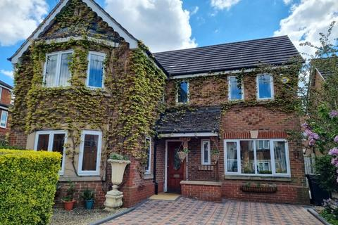 4 bedroom detached house for sale - Thetford way, Taw Hill, Swindon, SN25