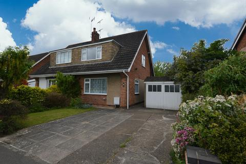 3 bedroom semi-detached house for sale - Cornwall Road, Wigston, LE18 4XF
