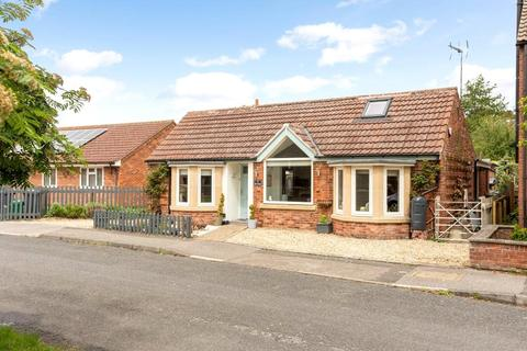 3 bedroom detached bungalow for sale - Bell Cottage, 17 Church Street, Carlton-le-Moorland, Lincoln, LN5