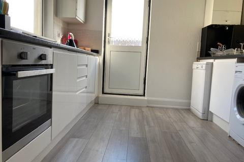 3 bedroom apartment to rent - Chesterton Lane, Cirencester, GL7