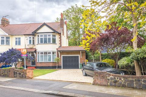 4 bedroom end of terrace house for sale - Aldborough Road South, Seven Kings, London, IG3