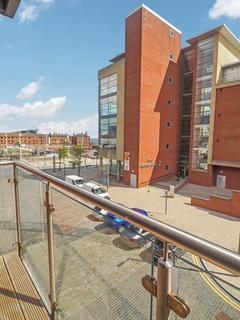 2 bedroom apartment for sale - Railway Street, Marina, Hull, HU1 2BE