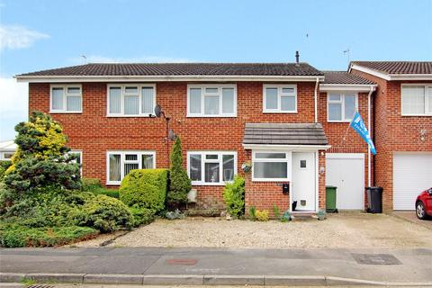 Popplechurch Drive Covingham Swindon Sn3 4 Bed Semi Detached House For Sale 300 000