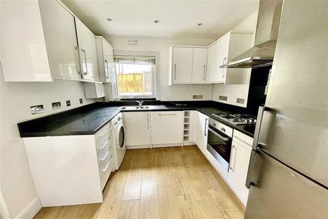 2 bedroom terraced house to rent - Kirkham Street, Plumstead, London, SE18