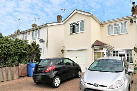 3 bedroom semi-detached house for sale - The Glen, Minster On Sea, Sheerness
