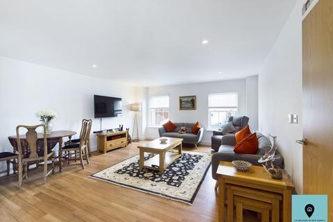 3 bedroom apartment for sale - Prince Regent Mews, Cheltenham