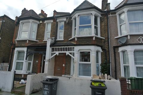 3 bedroom terraced house for sale - Nelgarde Road SE6