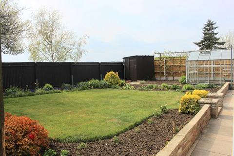 3 bedroom detached bungalow for sale - Chalfont Close, Melton Mowbray LE13 0JW