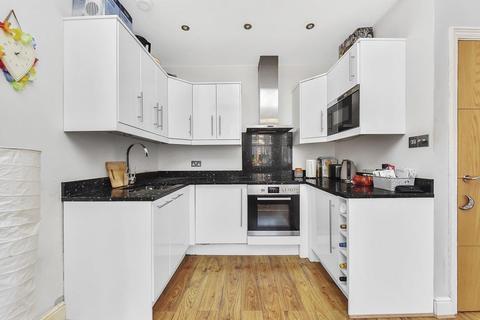 2 bedroom flat to rent - Morat Street, London SW9