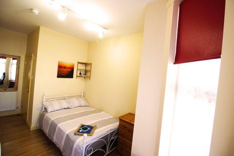 Studio to rent - Queens Road, studio 11, Coventry CV1