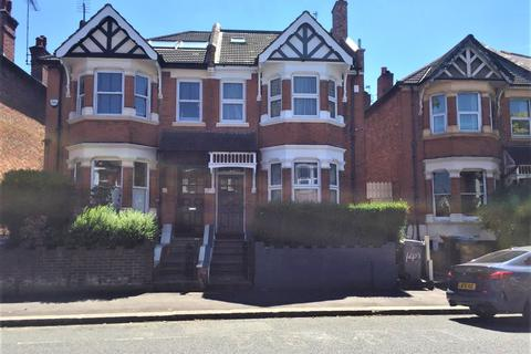 6 bedroom house share to rent - Harsleden Road, London NW10