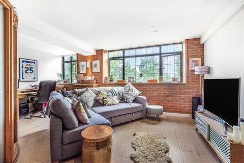 1 bedroom flat to rent - 294 St James's Road, LONDON