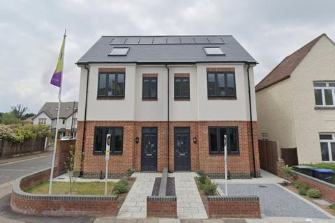 3 bedroom semi-detached house to rent - Drapers Road, Enfield