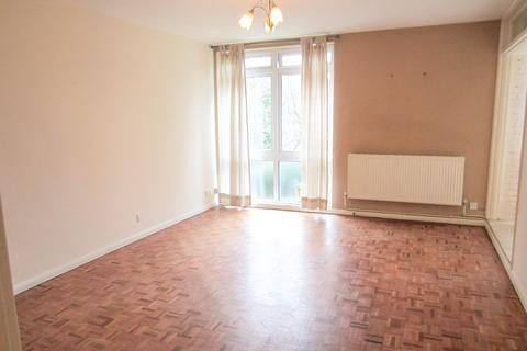 2 bedroom flat to rent - The Pines, Purley, Croydon CR8