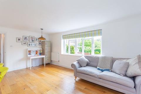 3 bedroom apartment for sale - Claremont Road, Surbiton, KT6