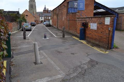 Property to rent - 9 High Street, Market Harborough, Leicestershire