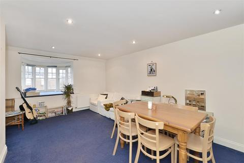 2 bedroom apartment to rent - Cleve Road, West Hampstead, London