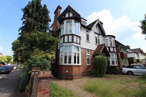 2 bedroom flat to rent - The Drive, Chingford