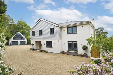 5 bedroom detached house for sale - Pelhams Close, Esher, Surrey, KT10